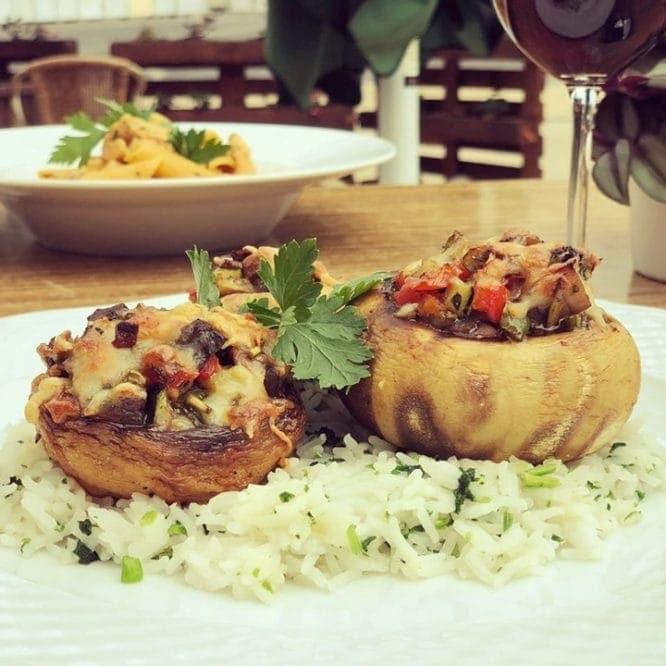 Gefüllte Champignons überbacken mit Parmesan
